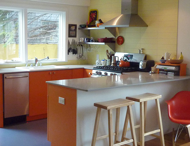 The sun is always out in this cheery kitchen.