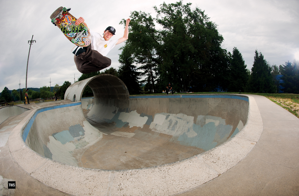 Willis Kimbel, Pier Park, OR. Transworld Skateboarding. Wednesday Wallpaper. Photo: Mike O'Meally