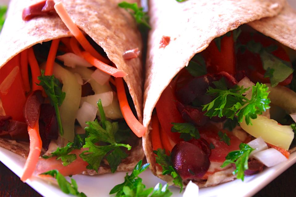 Hummus & Olive Wraps