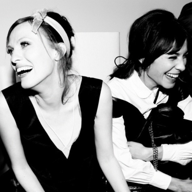 "Bunny Bag #MetGala ""Laughs at the #MarcFam table…@KarenElsonMusic & @Alexa_Chung"""