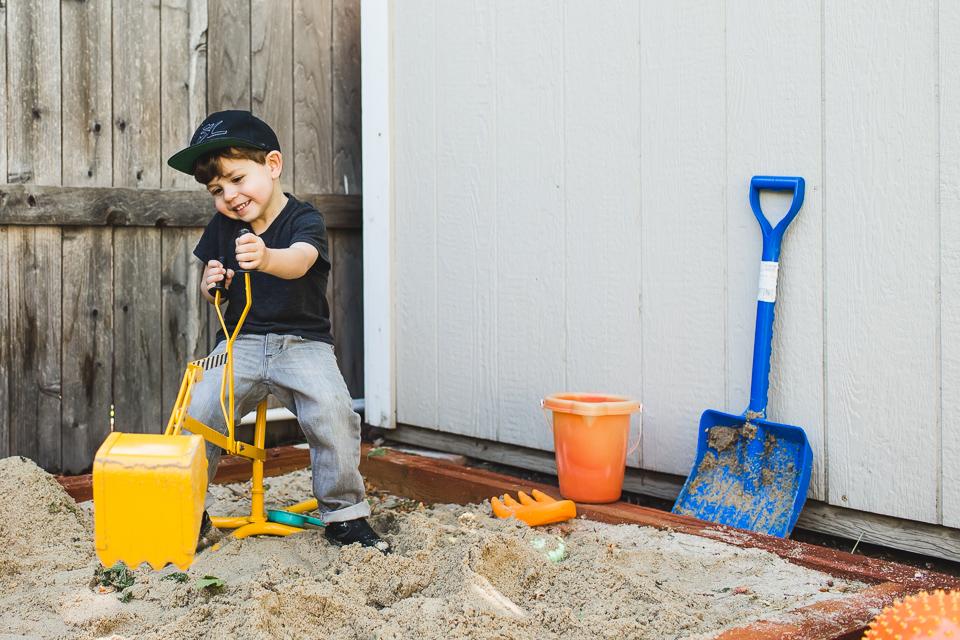 sandbox boy digger