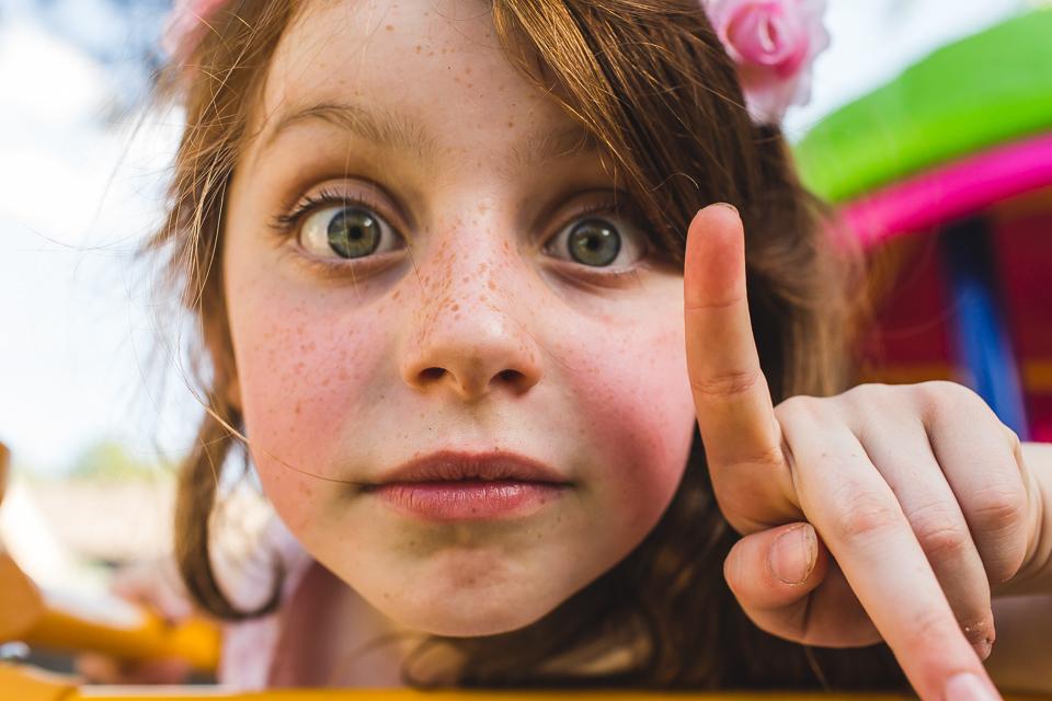 big eyes little girl family photographer denver