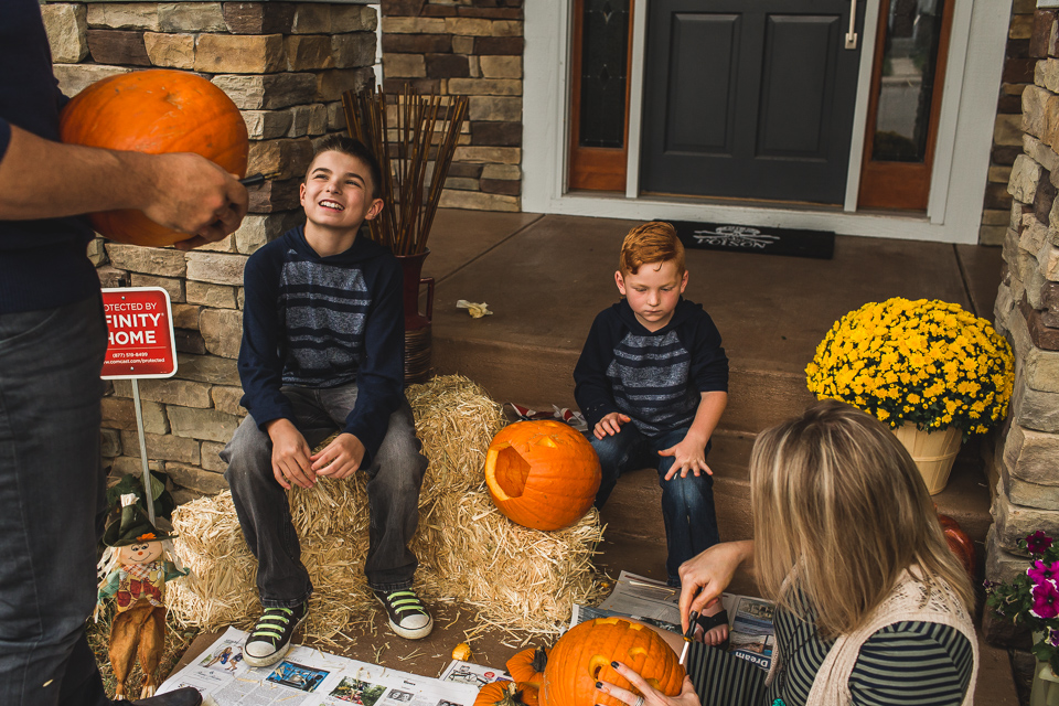 denver family carving pumpkins