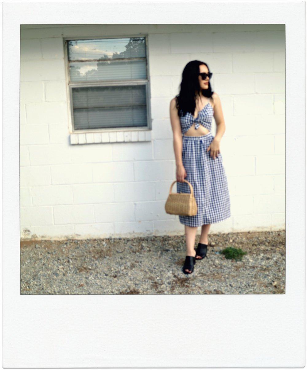 Zara midi dress Urban Outfitters mules Vintage straw bag