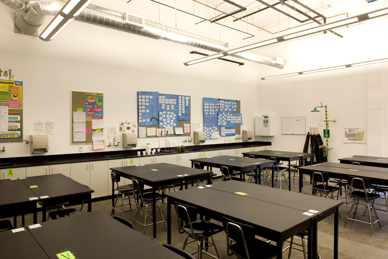 BA_EDU_Animo_Pat_Brown_Beach Street School - Interior Classroom.jpg