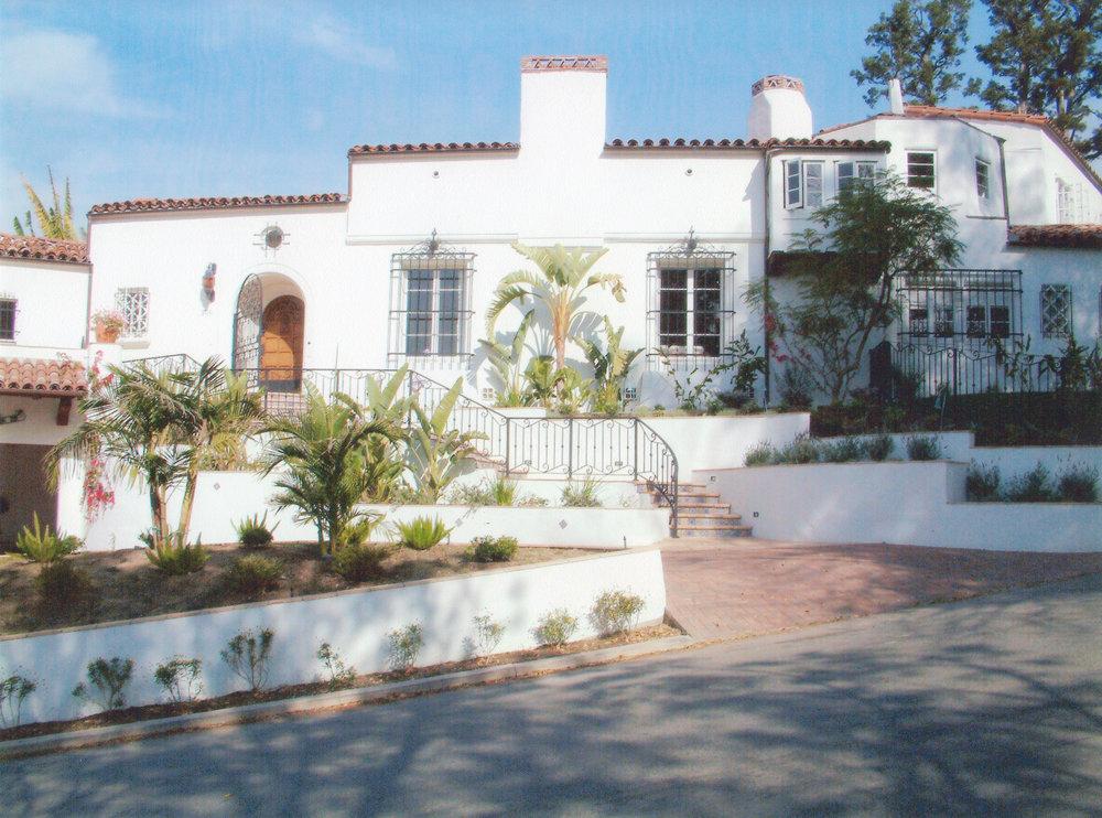 170817_Sloane Residence - Front View_sm.jpg