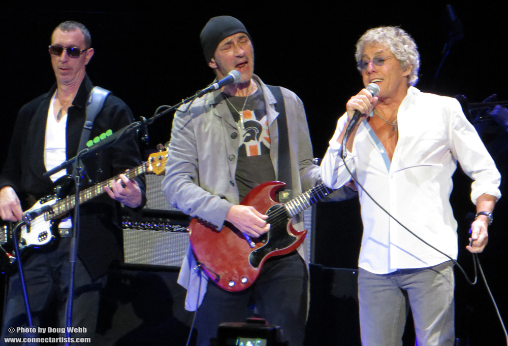 Pino Palladino, Simon Townshend and Roger Daltrey / The Who / Target Center / Minneapolis, Minnesota / November 27th, 2012 / Photo by Doug Webb