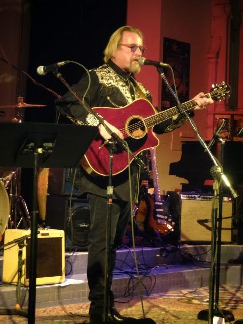 Troubador Paul Metsa