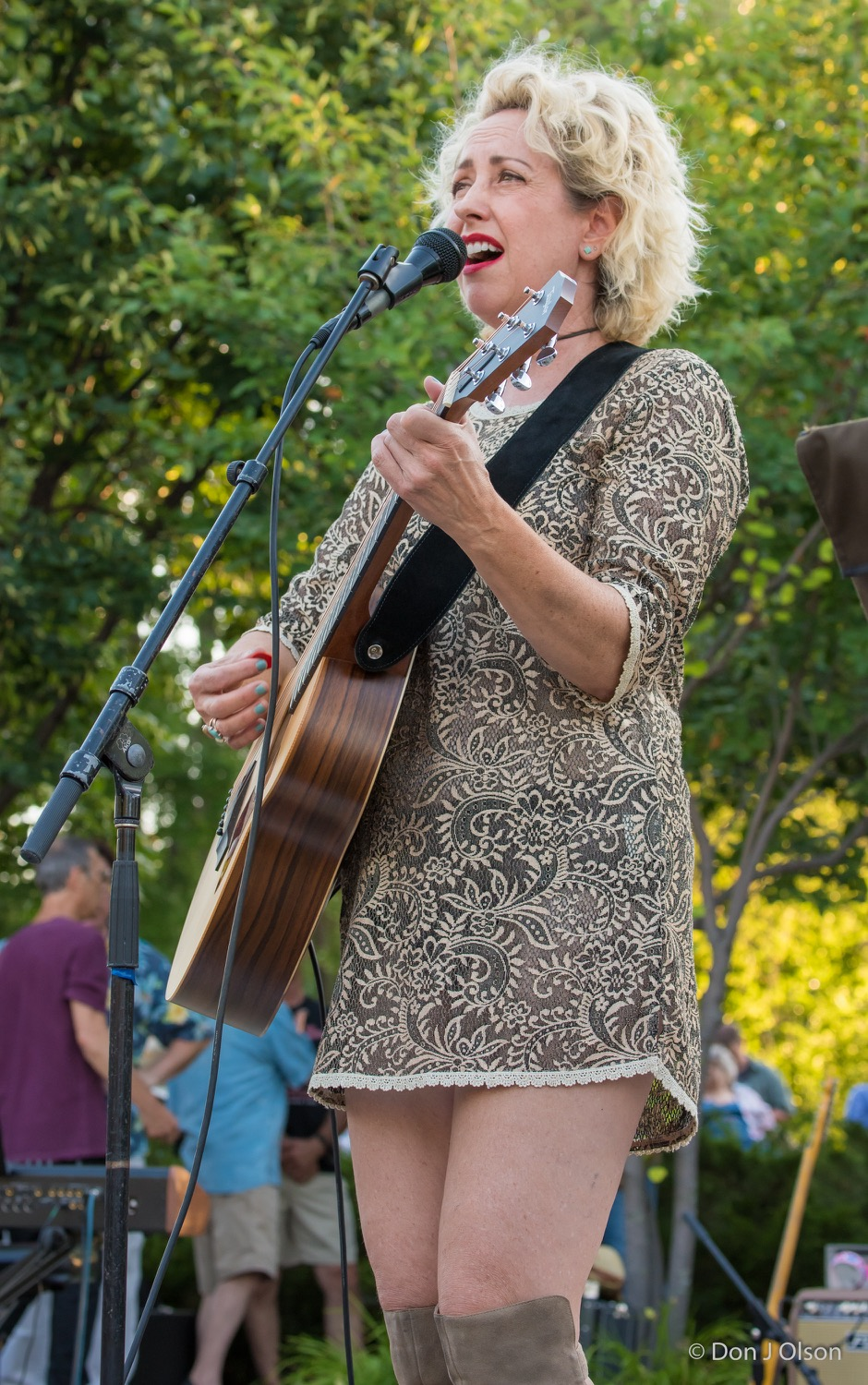 Courtney Yasmineh / The Veterans' Memorial Wolfe Park Amphitheater / St. Louis Park, Minnesota / August 1st, 2015