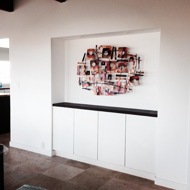 Always nice to see art go up. #sunset_beachhouse #kzantosdesign