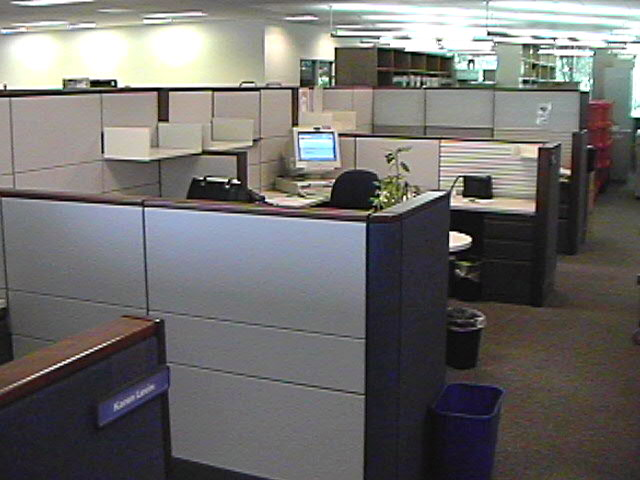 used_office_cubicle_image_3 (1).JPG