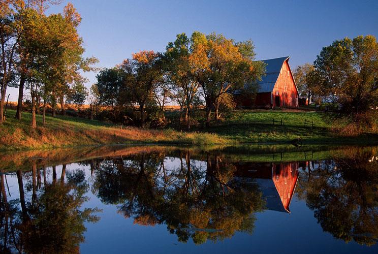 Barn and Pond-(KL59)