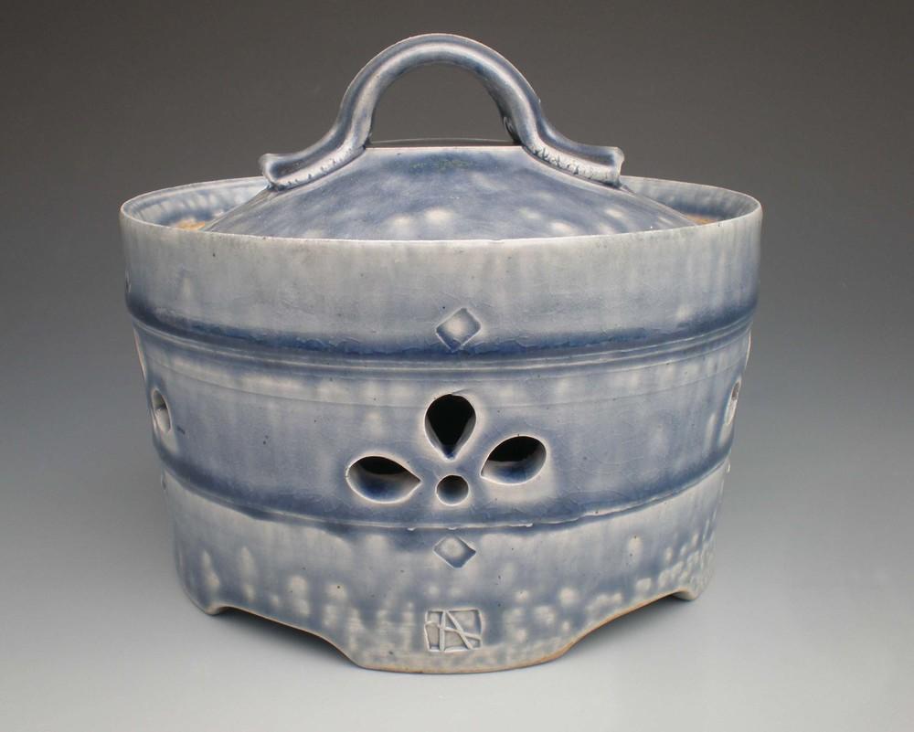 Garlic Jar (CA24) ceramic $40