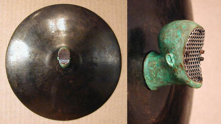 Trophy with Screen 20x20x4 bronze, steel $2,500