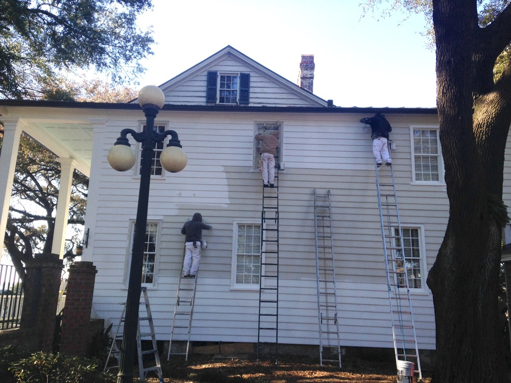 January 27, 2015 - The Front Street side of the house is getting its final coat of paint today. It looks fabulous!