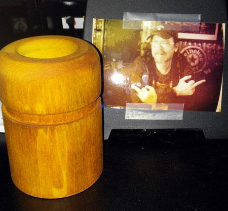 Giant Quarto! game piece urn