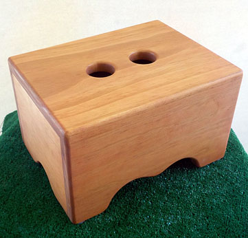 Step stool with Maple stain