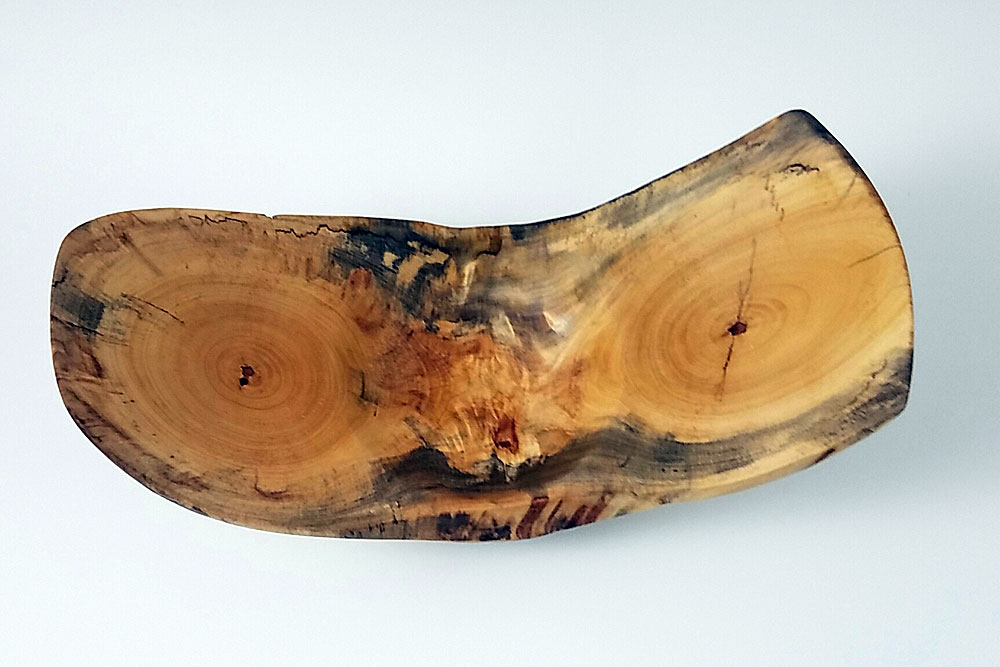 We love to find locally sourced logs in Austin, Texas and see what interesting bowls can be turned out of it on the lathe!