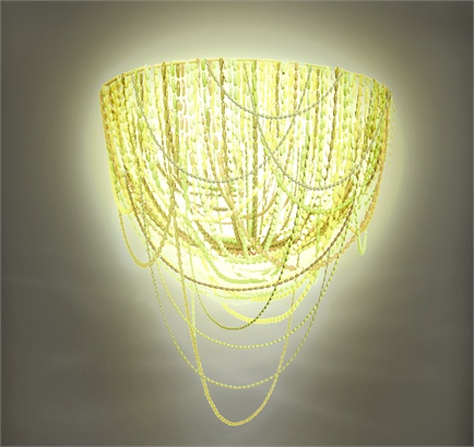 lámpara hecha con 25.000 cápsulas de nespresso