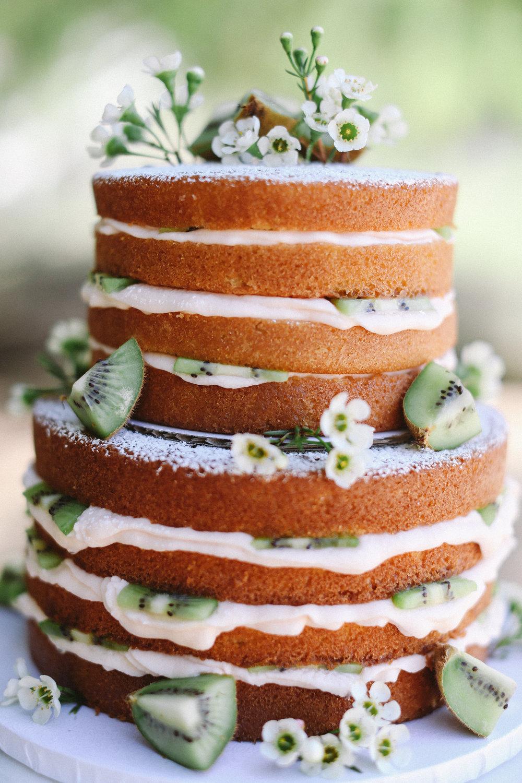 naked cake kiwi