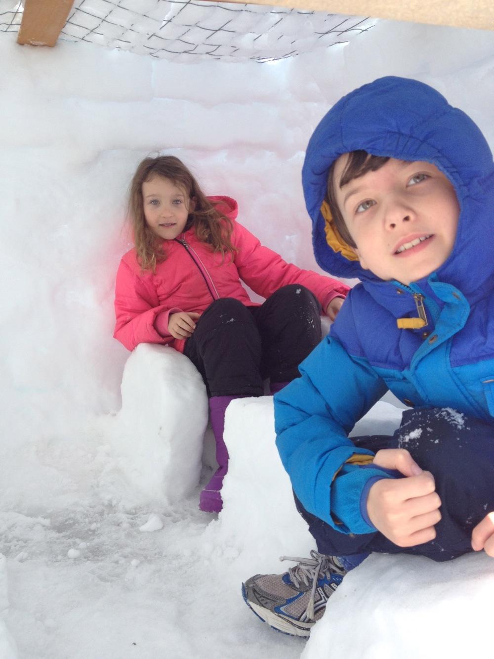 snowfort2.jpg