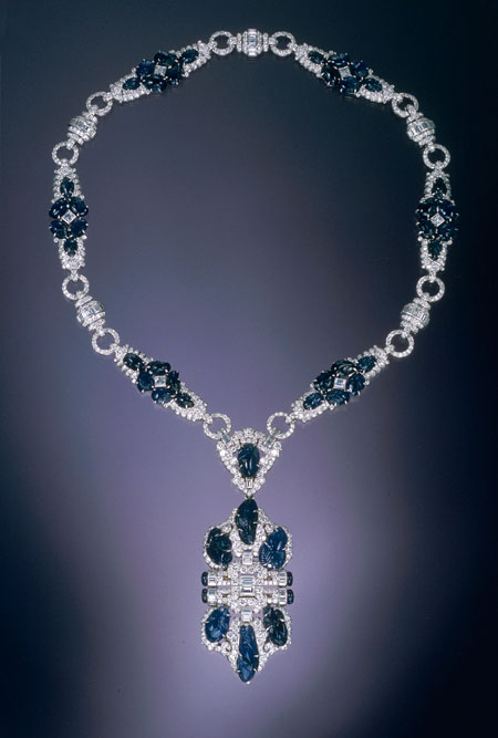 Heliotrope.  Multi-use necklace of actress June Knight, late 1930s. Trabert & Hoeffer, Inc.-Mauboussin (1936-1953). Platinum, engraved sapphire, and diamond. Neil Lane Collection. (Photo courtesy of Museum of Fine Arts, Boston)