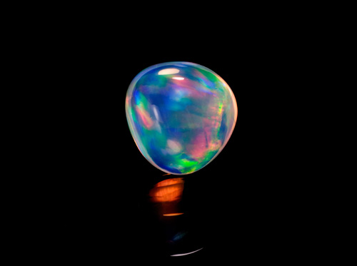 A 22-carat lloviznando opal from Mexico, from the Gladnick Collection
