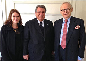 Lord Deben (right), chair of the UK-based ethical trade consultancy Sancroft, standing together with Gaetano Cavalieri, CIBJO President, and Vivien Johnston, Corporate Social Responsibility Manager of the Gemmological Association of Great Britain and chair of the Jewellery Ethics Committee of the UK.