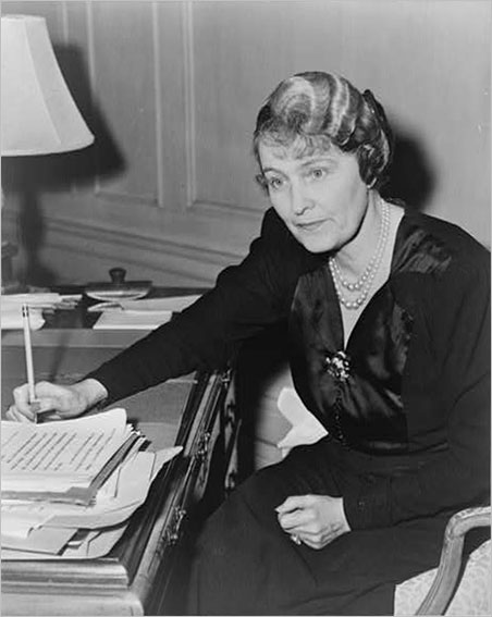 For this 1942 portrait of Post (or, rather, Marjorie Merriweather Post Hutton Davies), her photographer, C. M. Stieglitz, finds her all-business, accessorized with pearls, brooch, and ring and Koh-i-Noor No. 2 pencil. (Photo: Library of Congress)