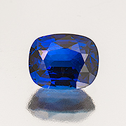 This Burmese sapphire weighs 3.36 carats and is unheated. Inventory  #20123 . (Photo: Mia Dixon)