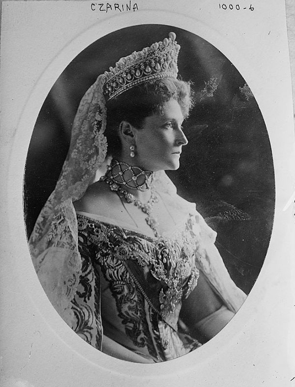 The Last Empress. Alexandra Feodorovna, 1908. (Photo: Boasson and Eggler)