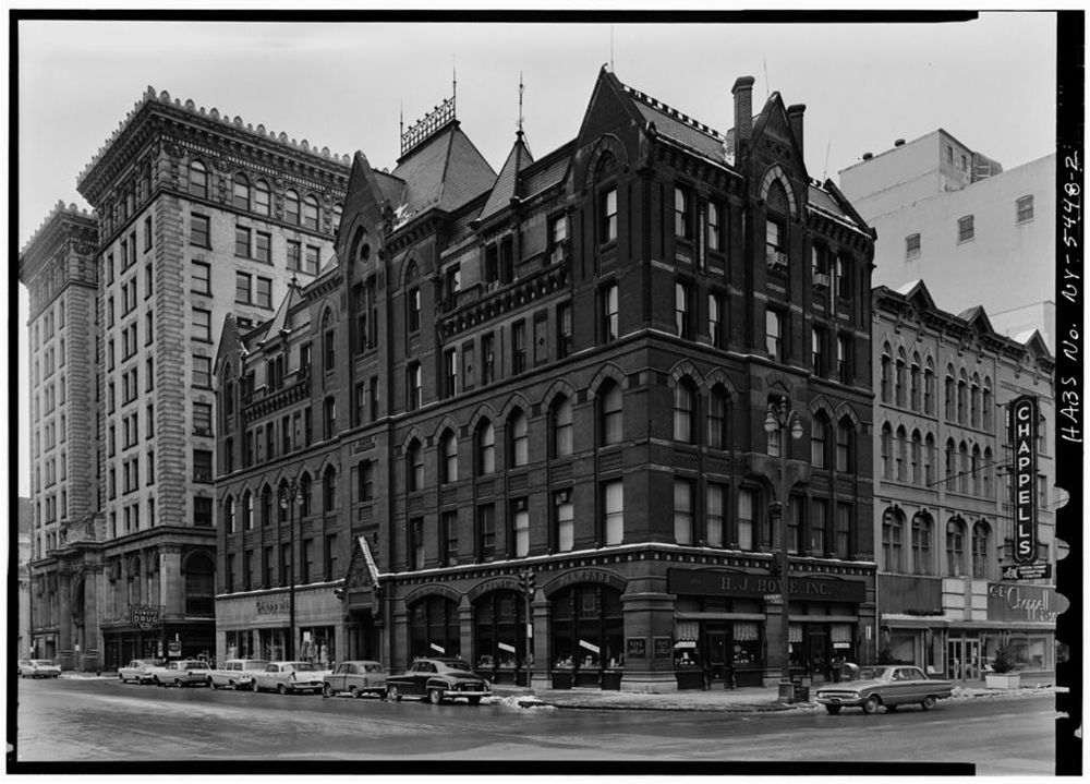 Full view of the White Memorial Building at South Salina and East Washington Streets, January 1962.