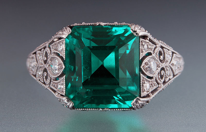 A 4.15-carat emerald in platinum ring. From the Cora Miller Collection. (Photo: Harold Moritz, courtesy of Yale Peabody Museum)