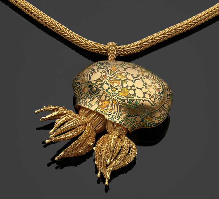 Polyp Colony .  John Paul Miller (American, 1918–2013), 1995. Pure gold, 18 kt gold, enamel. The Daphne Farago Collection. Reproduced with permission. This sumptuous pendant weaves a Klimt-like scrim over a complementary, colorful field. (Photograph © Museum of Fine Arts, Boston)