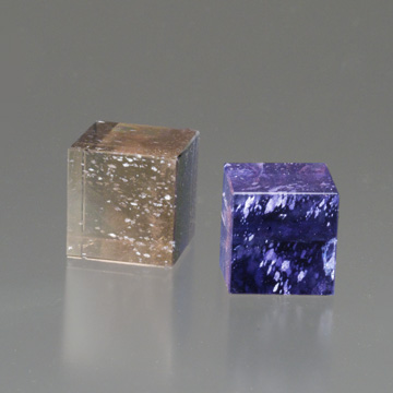 Iolite cubes showing the gem's dichroic properties. (Photo: Mia Dixon)