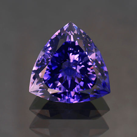 Purple scapolite, 15.26 carats, about 17.3 mm. (Photo: Mia Dixon)