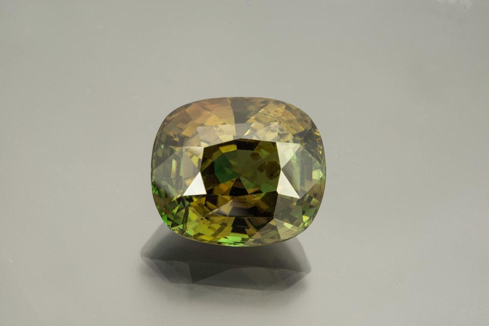 Alexandrite from Sri Lanka, 18.03 cts, 15.87 x 13.54 x 10.19 mm. Inventory #23585 (Photo: Mia Dixon)