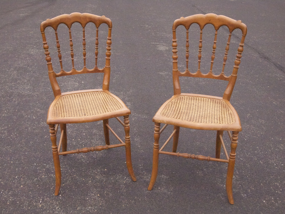 ASSORTED WOOD CHAIR $6