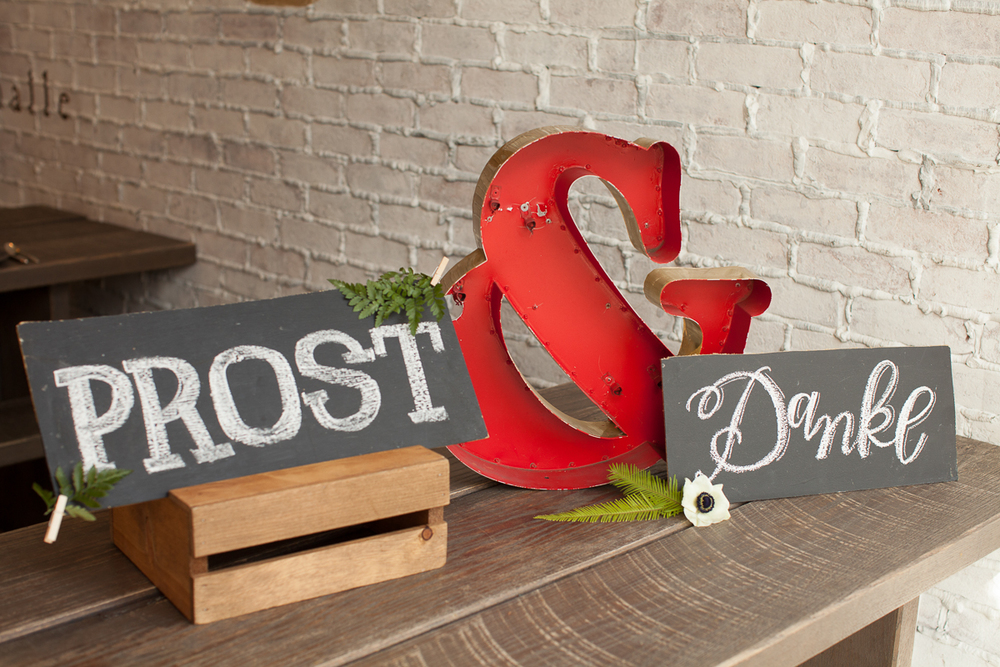 Red Metal Ampersand