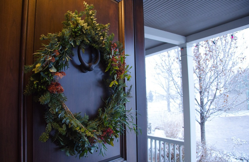 What I made! Perfect for big wooden doors and snowy days.