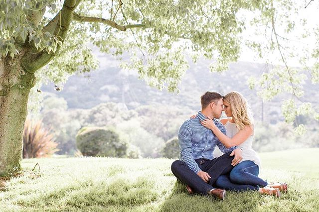 Tonight's session was DREAMY. Spring engagements are so stunning. We can't get enough! ✨