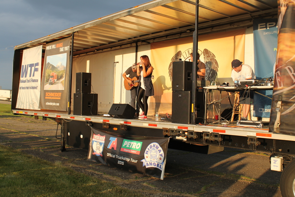 Lindsay performs at a truck stop in London, Ohio June 2015