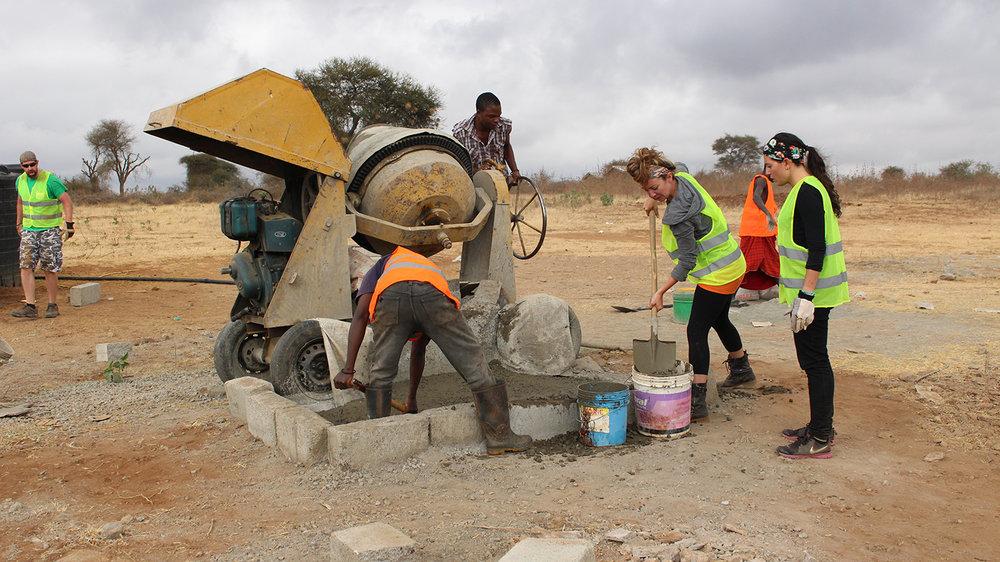 Volunteer-Africa14.JPG