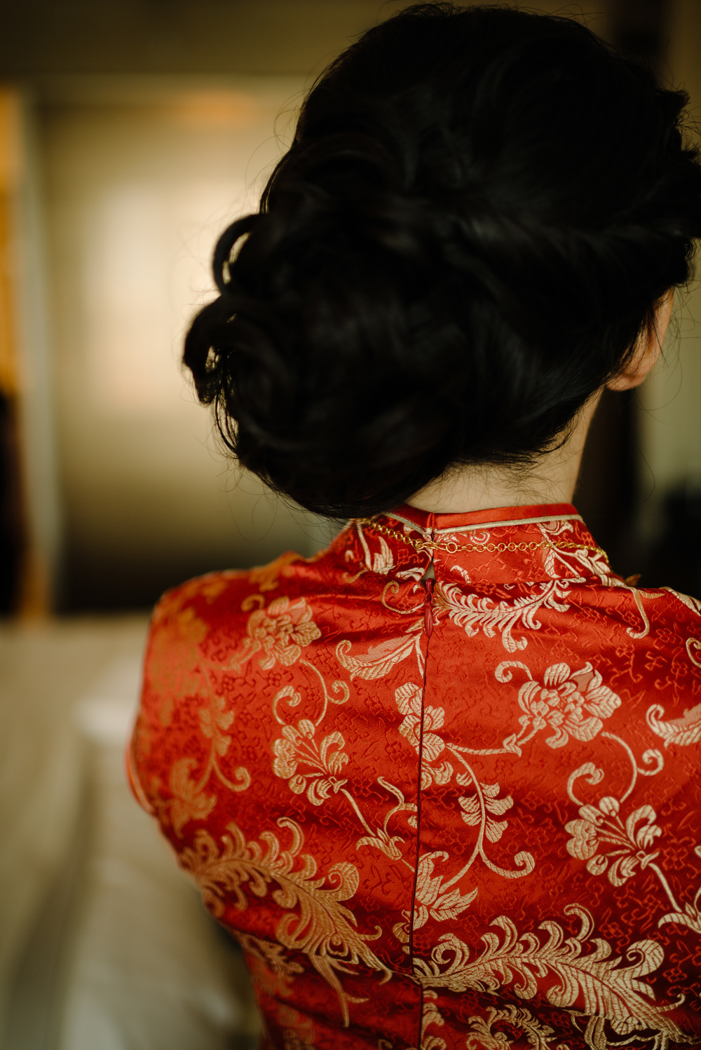 Bride portrait Chinese Cheongsam red dress wedding photography