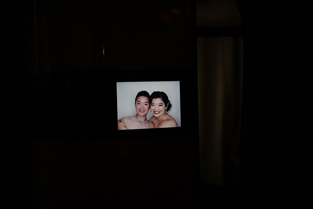 Minialist photo of the photobooth at the wedding
