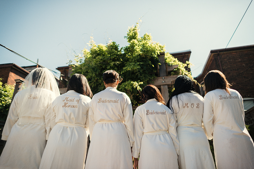 Bridesmaids photo by the Best Toronto Wedding Photographers, 3B Photography
