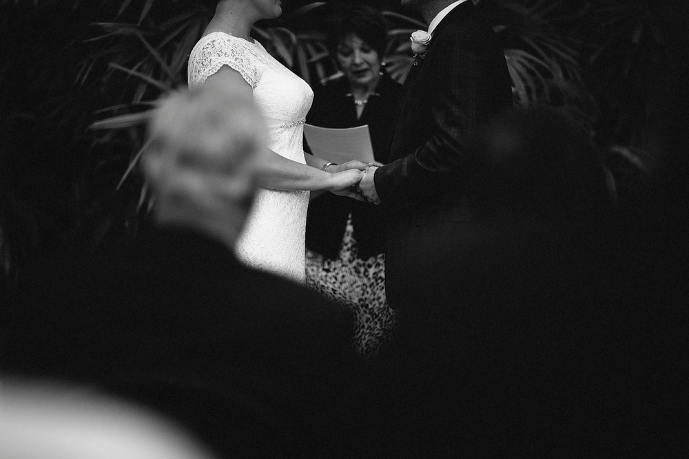 toronto-oakville-wedding-joling-hands.jpg