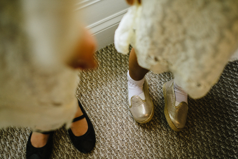 little bridesmaids details of their cute shoes snapshot from documentary style wedding photography by 3b photo