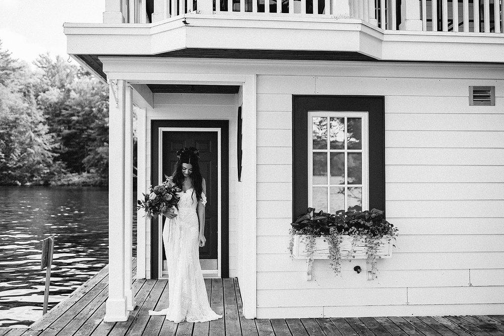 Muskoka-Cottage-Wedding-Photography-Photographer_Photojournalistic-Documentary-Wedding-Photography_Vintage-Bride-Lovers-Land-Dress_Rue-Des-Seins_Bridal-Portrait-Boho-bride-Black-and-white.jpg