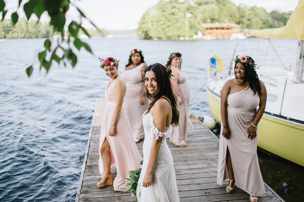 Muskoka-Cottage-Wedding-Photography-Photographer_Photojournalistic-Documentary-Wedding-Photography_Vintage-Bride-Lovers-Land-Dress_Rue-Des-Seins_Boho-Bride-and-bridal-party.jpg